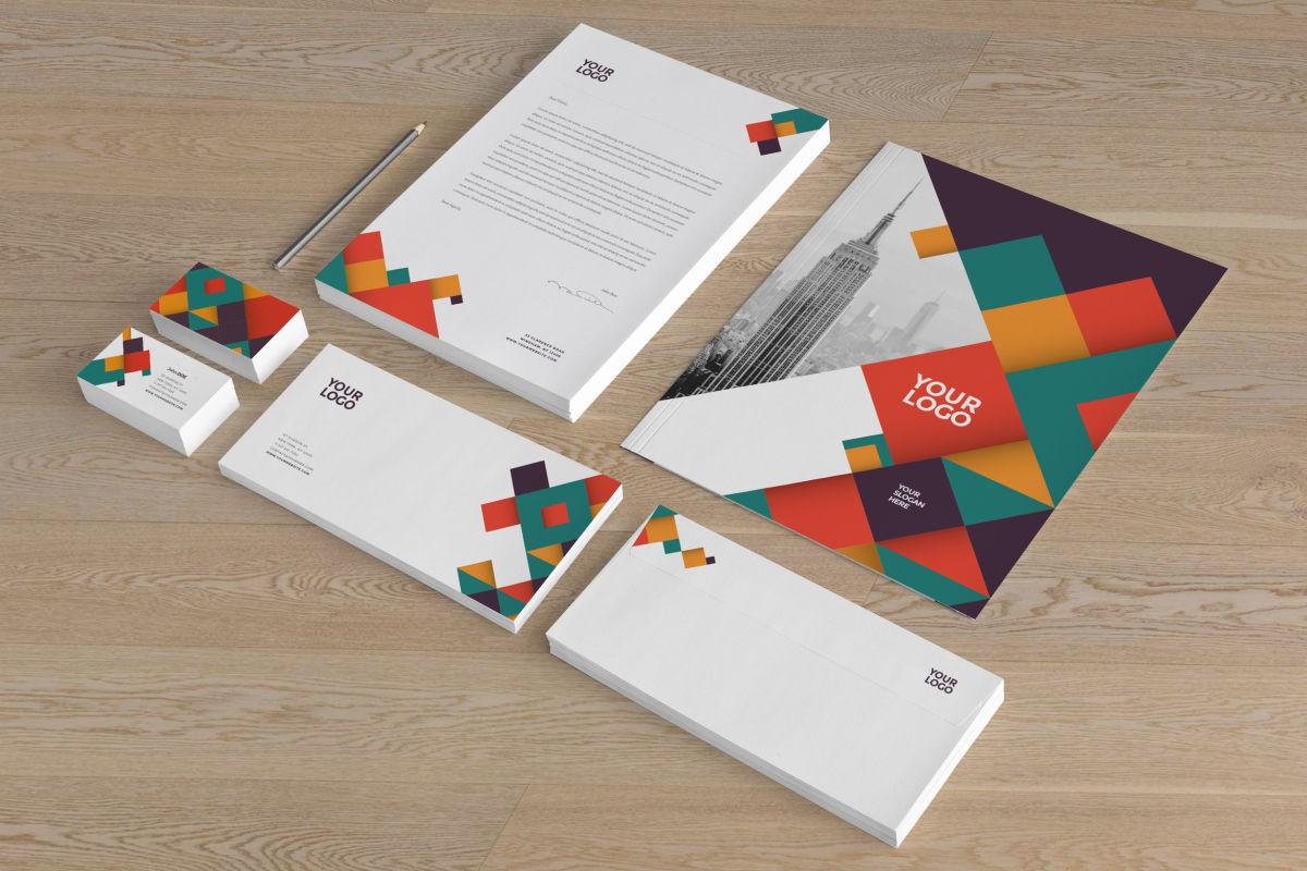 Materiais de papelaria que todos pequenos negócios precisam.